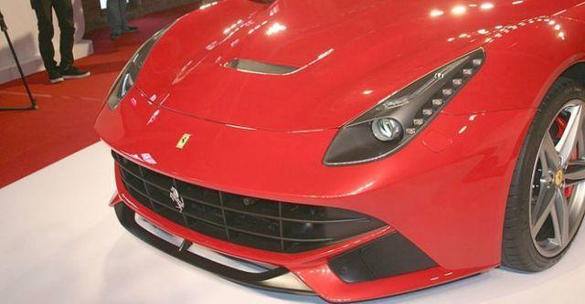 2016 Ferrari F12 Berlinetta V12  第5張相片