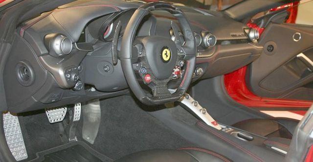 2016 Ferrari F12 Berlinetta V12  第6張相片