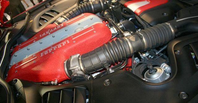 2016 Ferrari FF V12  第8張相片