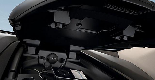 2016 Ford Tourneo Custom 尊爵型(選配後座獨立空調)  第10張相片