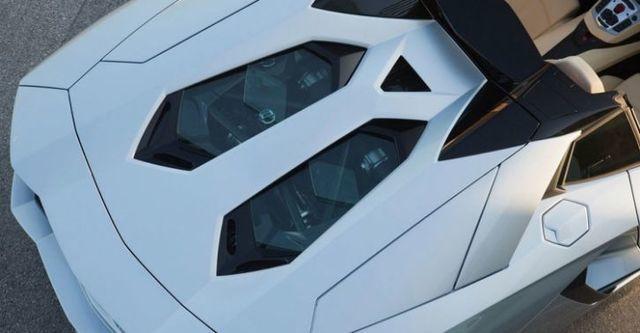 2016 Lamborghini Aventador Roadster LP 700-4  第6張相片