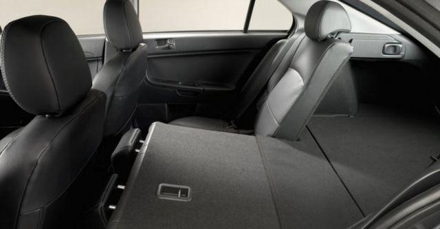 2016 Mitsubishi Lancer Sportback 1.8炫目版耀眼型  第9張相片