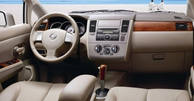 2016 Nissan Tiida 4D 傳奇版  第7張相片