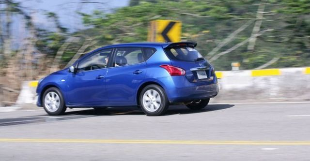 2016 Nissan Tiida 5D 豪華影音版  第7張相片