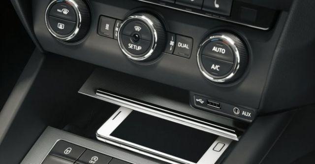 2014 Skoda Octavia Sedan 1.6 TDI  第9張相片