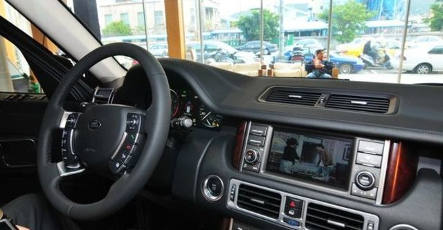 2010 Land Rover Range Rover 5.0 V8  第4張相片