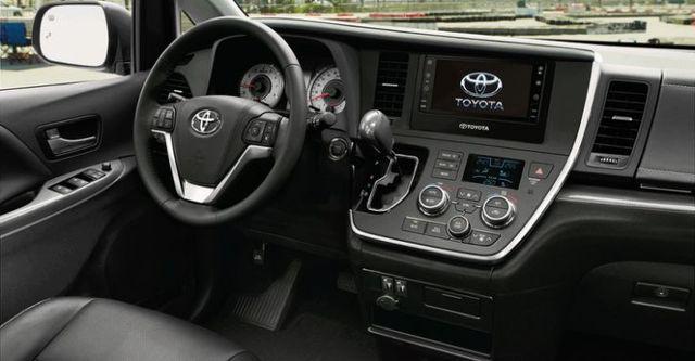 2016 Toyota Sienna 3.5 XLE  第8張相片