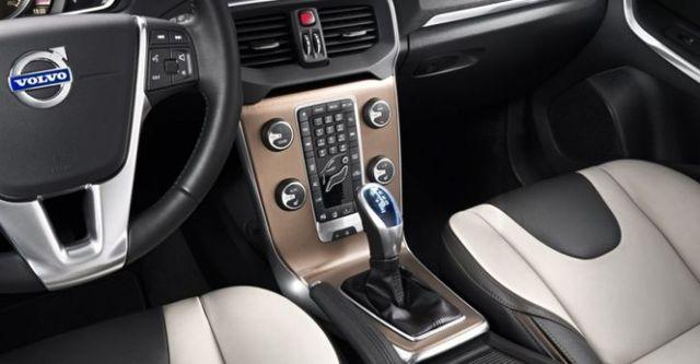 2017 Volvo V40 Cross Country D4安全旗艦版  第8張相片