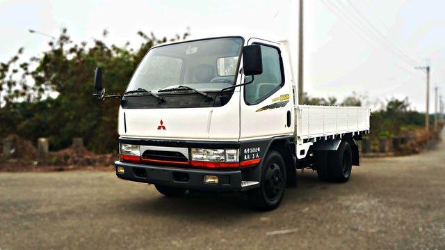 2002年 Mitsubishi Canter 白色,框式,三噸半,柴油貨車