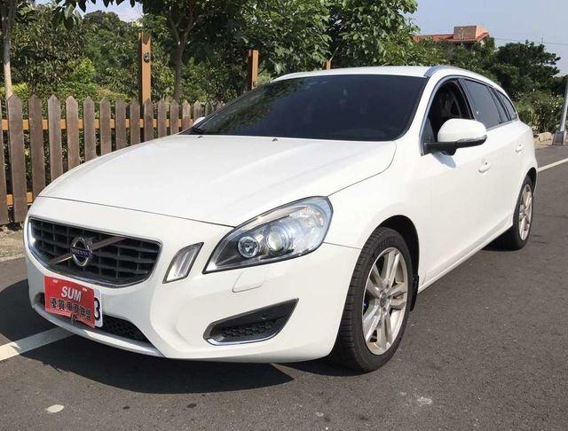2012年 V60 D4 柴油 跑9萬6 車子狀態好 空間大 可認證 全額貸