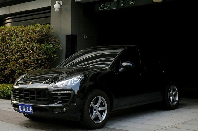 2015 Porsche Macan 全景 導航 總代理 黑色 保固《東威》