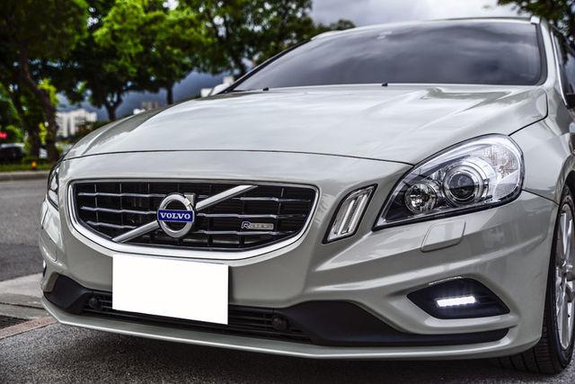 正2013年 Volvo V60 D4 只跑50000公里-鼎浤車業