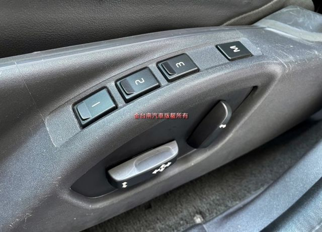 旗艦版D4 渦輪 全車原鈑件 ACC全景天窗 車道偏離 雙電動椅 電動尾門 里程保證,免頭款不用殺價就很便宜!  第10張相片