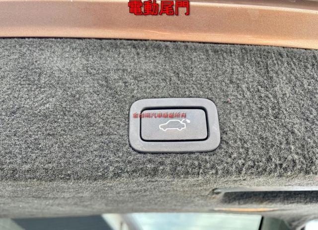 旗艦版D4 渦輪 全車原鈑件 ACC全景天窗 車道偏離 雙電動椅 電動尾門 里程保證,免頭款不用殺價就很便宜!  第19張相片