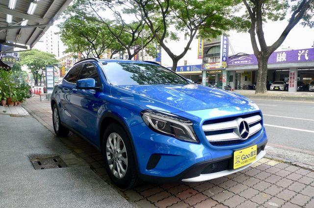 弘佳汽車 2017年 Benz GLA180 寶石藍 總代理 (僅跑7000km