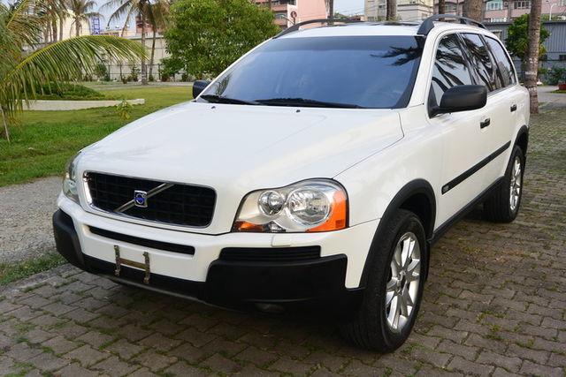 新車約300萬 7人座 全車原版件 白色黑內裝 Yes認證車 可全貸  第1張相片