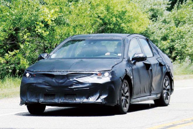 有神,快出來看Toyota New Camry