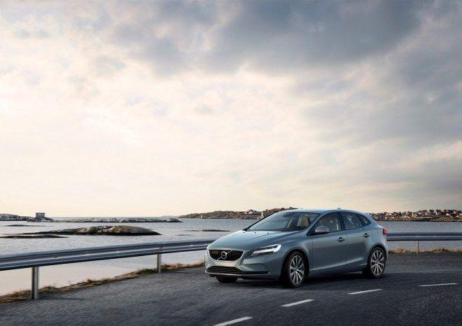Volvo發表小改V40