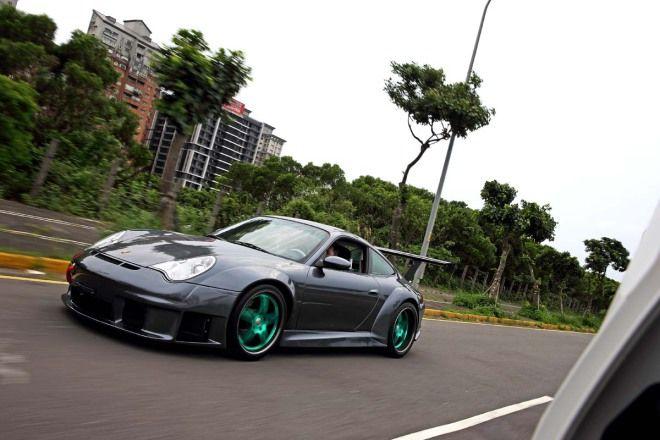 完整移植˙真假難分Porsche 996 GT3 RSR