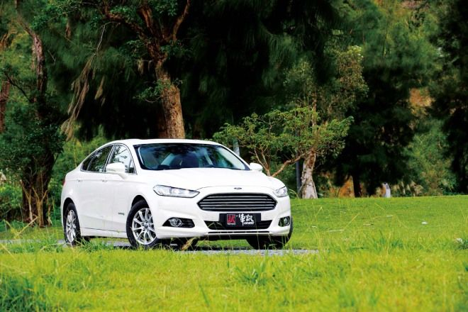 行李廂露玄機 Ford Mondeo Advanced Hybrid