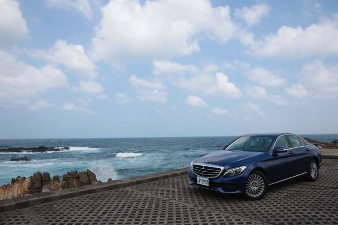 M.Benz The new C-Class C200 蔚藍三芒星