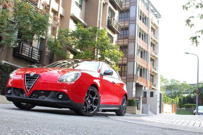 幸運草的誘惑 Alfa Romeo Giulietta Quadrifoglio Verde Launch Edition