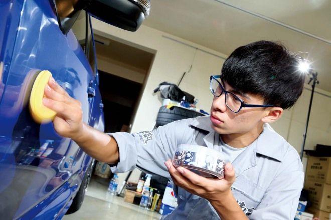 DIY愛車美容術-打蠟真功夫,體力、順序很重要