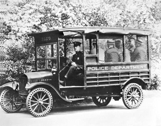 汽車種類的演化◆Wagon旅行車,最完整的名稱為Station Wagon