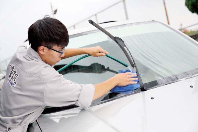 DIY愛車美容術-車窗玻璃的清理與整備,攸關行車安全