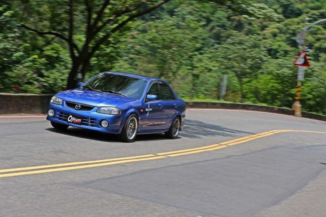 玩車樂趣-100-200km/h加速激走, Mazda 323 Trust TD06 20G