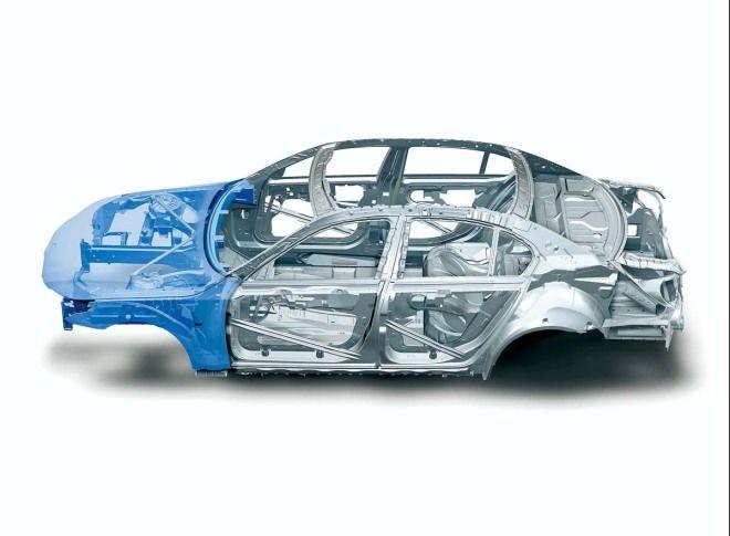 中國版M.Benz E-Class爭議話題-「鋼材換鋁材」的主因是什麼?油耗影響有多大?