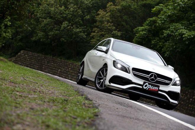 Mercedes-AMG A45 4MATIC 4ESP強烈改變轉向