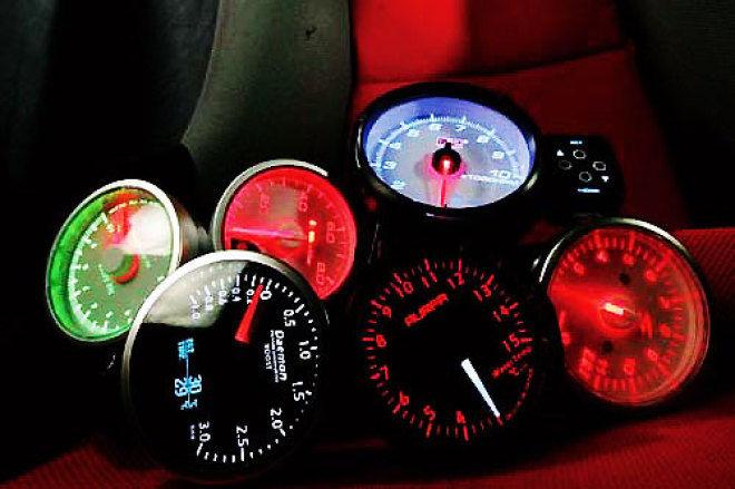 監控儀錶選購要點 人車溝通橋樑