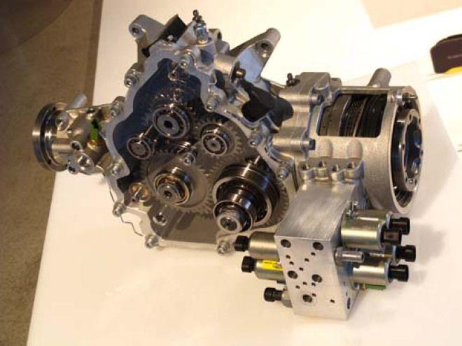 Ferrari FF 創新四輪傳動系統