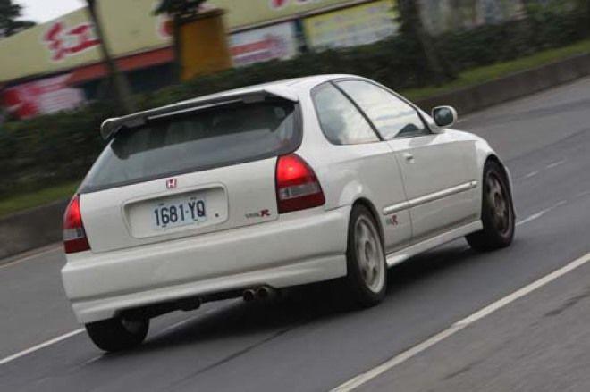 CIVIC K8 3D裝防滾籠 驗車會過嗎?