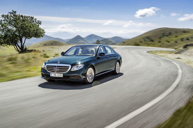 Mercedes-Benz 七月購車優惠 「4年保養套裝」輕鬆享有全新感官體驗