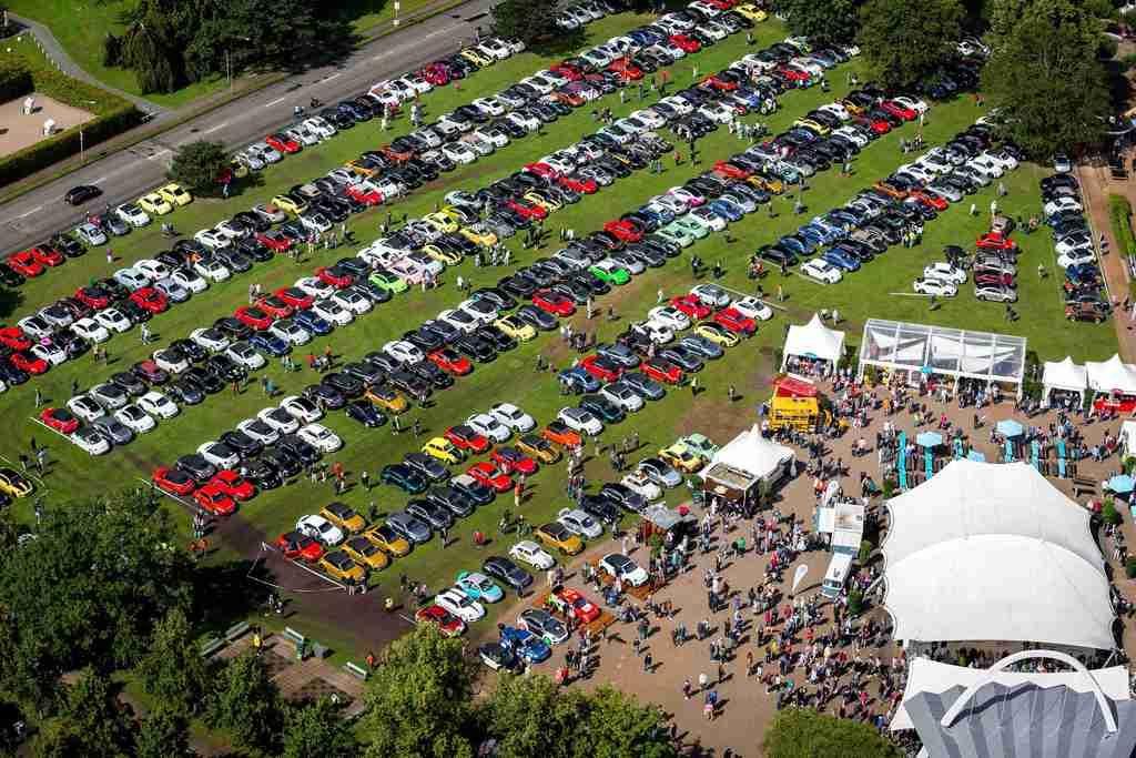 全球最大Volkswagen Beetle車聚派對 車迷齊聚德國Travemünde