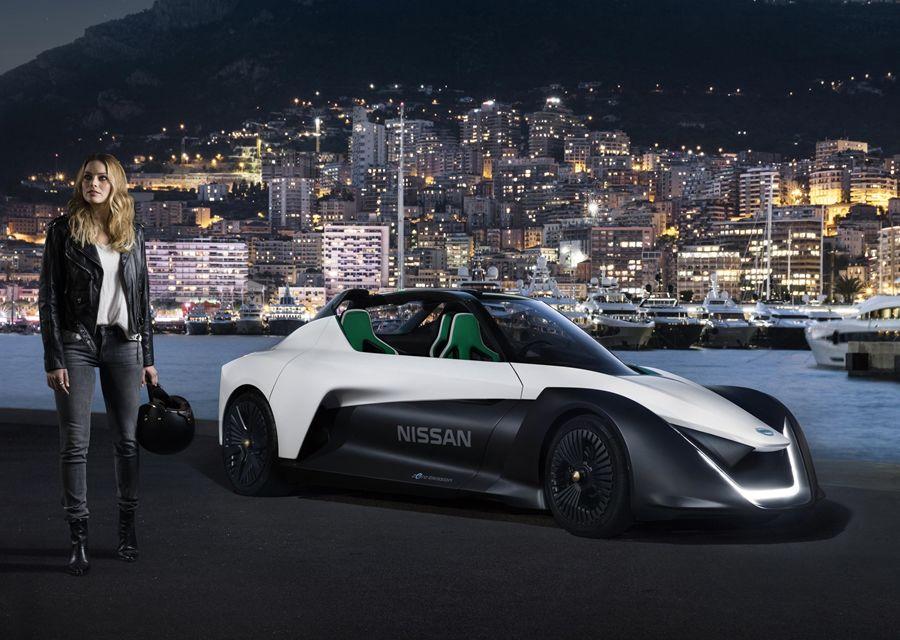 瑪格羅比擔任Nissan電動車大使