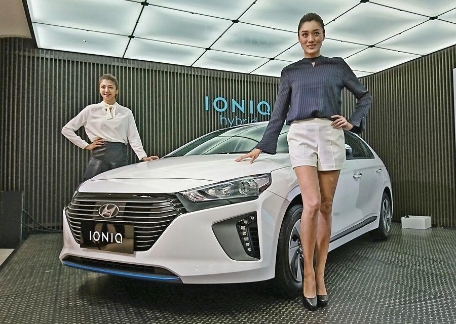 原來假想敵不只Prius,Camry Hybrid也是 Ioniq Hybrid帶三把刀殺進國產車市