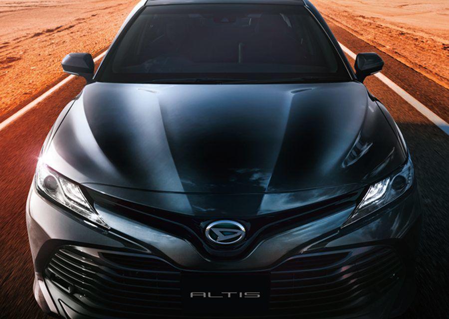 要掛牛頭牌還是頭文字D?Camry雙生車Daihatsu Altis日本發表