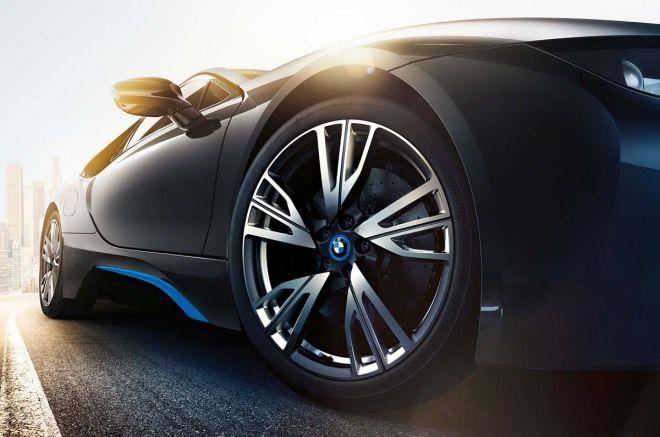 愛車Q&A:最近剛入手一台車,想換掉原廠輪圈,看到一些車友的輪圈好大,尺寸是真的越大越好嗎?