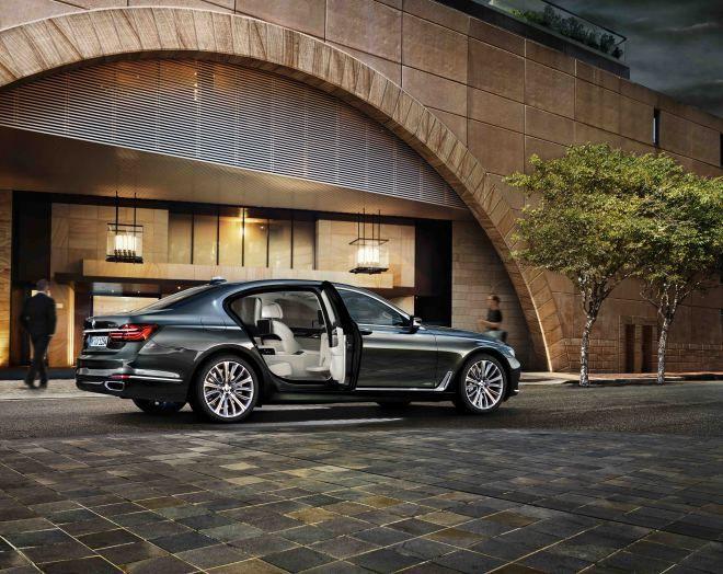 全新BMW 750Li Luxury頂級智能版,即日起隆重上市