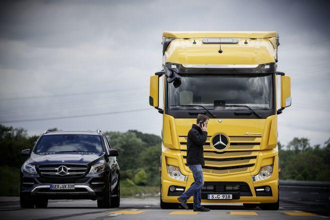 大型重車也要有行人偵測功能,Mercedes-Benz率先升級至ABA 4