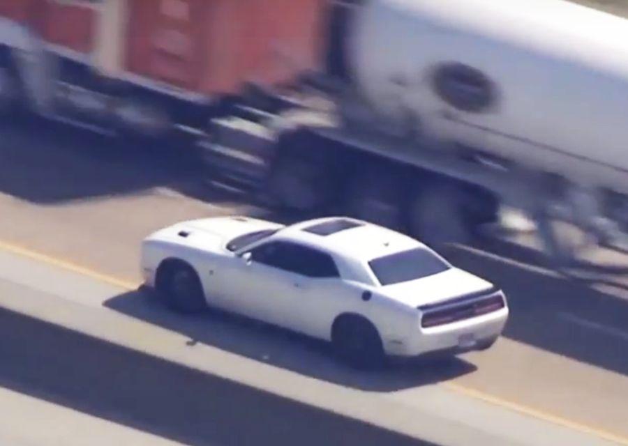 700匹馬力Dodge地獄貓還跑不掉?警車更快?