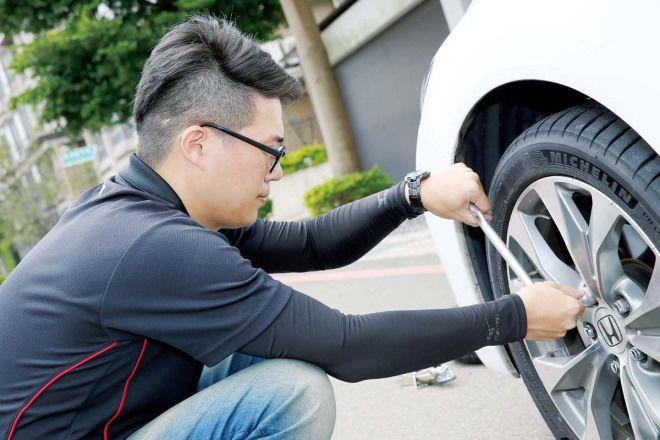 現在很多新車都已經沒有備胎,補胎液可以不用去輪胎行補胎了嗎?