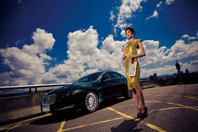 Motor Babe - New Jaguar XF 2.2D 英倫優雅,傾訴於舉手投足之間