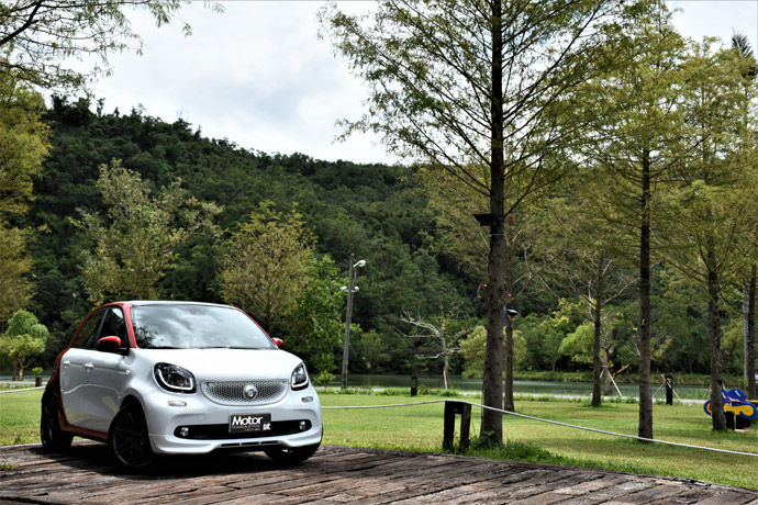 Smart forfour BRABUS Sports Package 令人著迷的吸引力