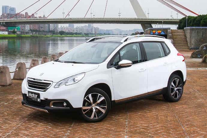 Peugeot 2008 1.2L PureTech Grip Control