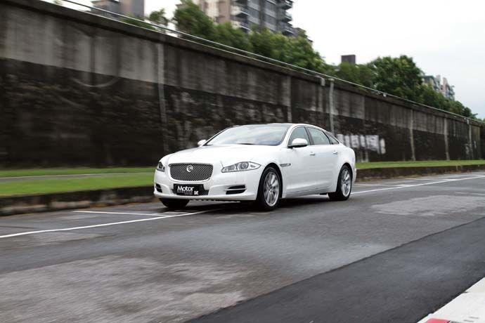 Jaguar XJL Premium Luxury