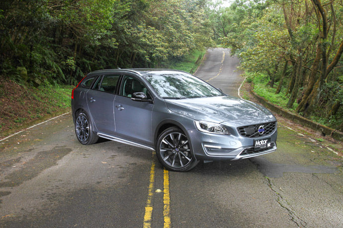 越野輕休旅 Volvo V60 Cross Country D4